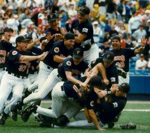 Cal State Fullerton 1995 CWS Dog Pile